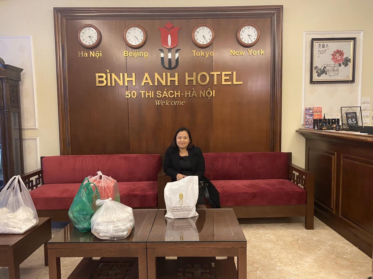 <p>Khách sạn rất sạch sẽ, phục vụ nhiệt tình, lại được tặng quà nữa! Lần sau ra HN lại đến. Cảm ơn chị chủ chu đáo</p>